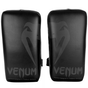 Venum Giant Kick Pads – Black/Black